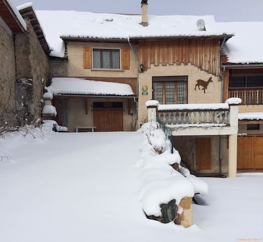 Maison 2-6 pers. vue montagnes Valgaudemar (05) - Chauffayer