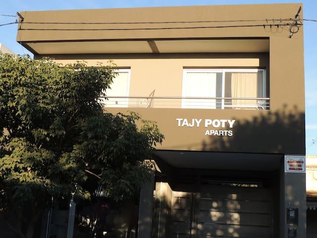 Aparts Tajy Poty. San José. Colón. Dpto 1