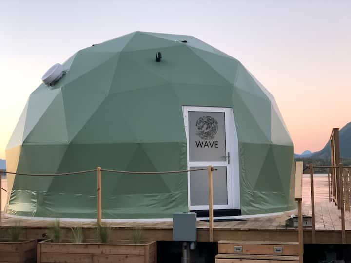 WILDPOD Luxury Glamping: WAVE Dome
