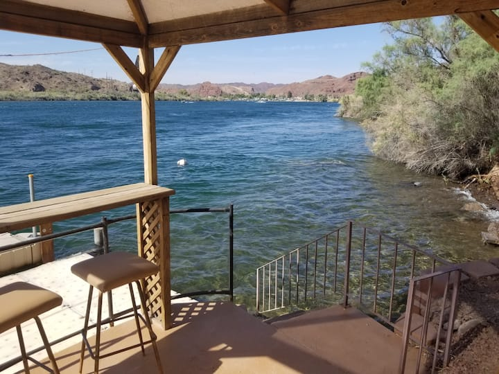 Parker Strip Luxury Riverfront Casita -Dock