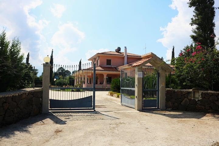 Camera privata vicino Sortino, Melilli, Siracusa..