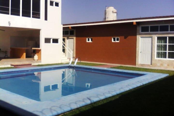 Villa ideal para festejos y celebraciones