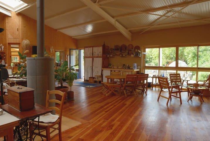 3 Chambres doubles dans un hangar aménagé en loft. - Bricqueville-la-Blouette - Loteng Studio