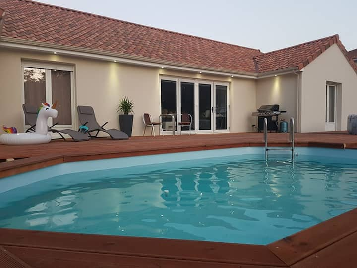 Superb Villa/Gite with pool 5 beds - sleeps min 10