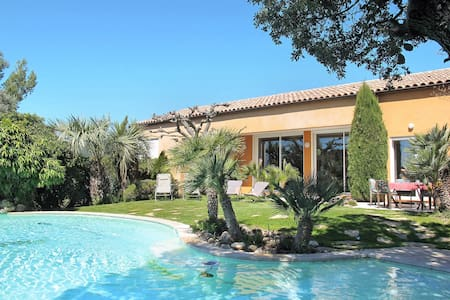 250 m² Holiday home in Gareoult - Gareoult - Casa