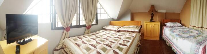 Tia Beth's Bed and Breakfast- Panganoron