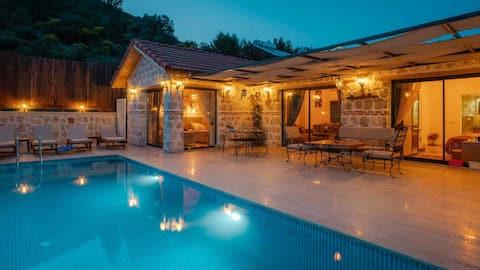 Elisam Villa