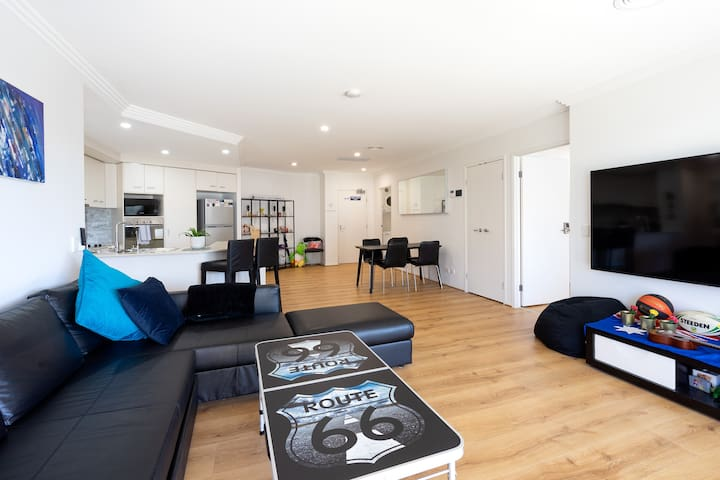 ★Huge Renovated Apt close to Bond Uni/Hinterlands★