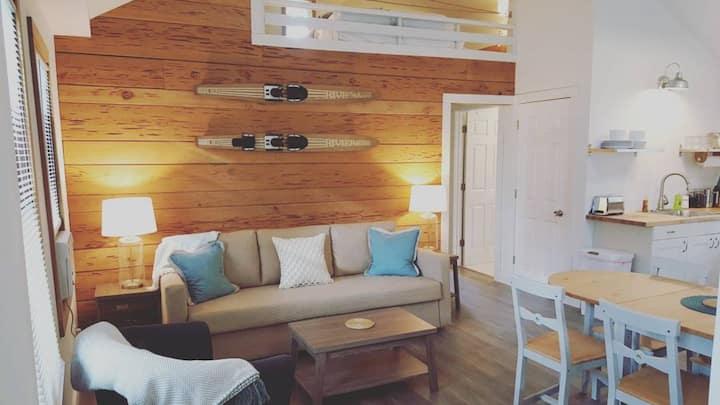 #8 Hillside Cottage at Cypress Resort & Marine