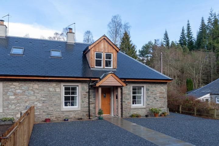 Rowan Cottage, Dunkeld
