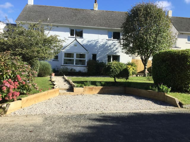 Spacious Family Home close to coast - Padstow - Hus