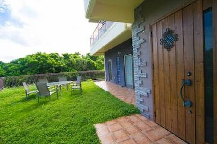 ★オシャレで豪華なヒーリングハウス北部も南部にもアクセス最高♪♪庭もありBBQも楽しめます(^^)/