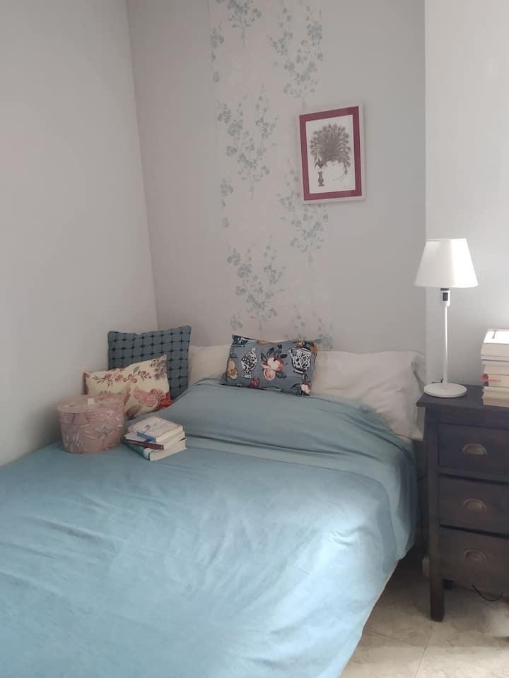 Tranquilo dormitorio vintage para dos