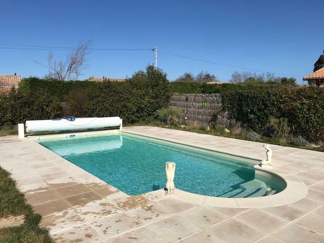 Maison avec piscine a 10 minutes de la plage