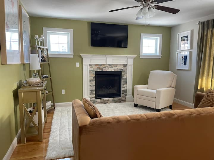1 Quiet Large Private Room in Abington, MA