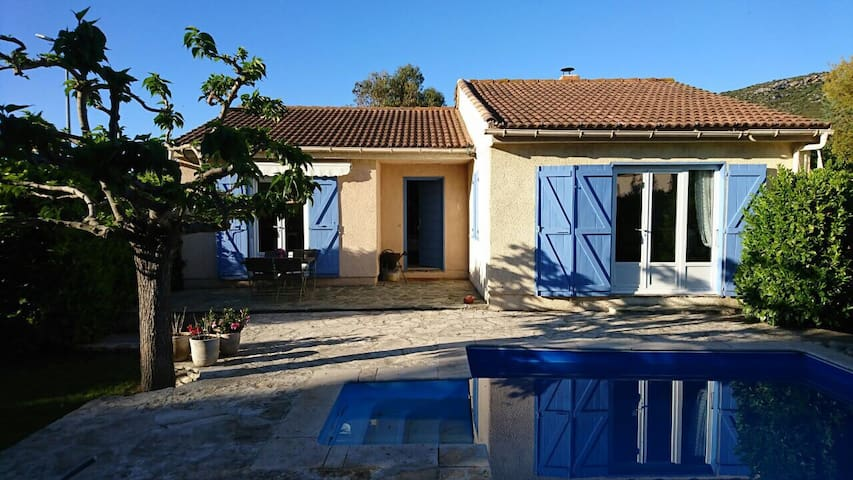 Vacation house w/ pool, near the beach,St. Florent