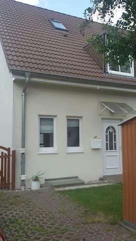 Gemütliches Haus im Osten v. Berlin - Hoppegarten - Talo