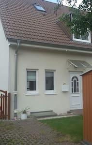 Gemütliches Haus im Osten v. Berlin - Hoppegarten - House