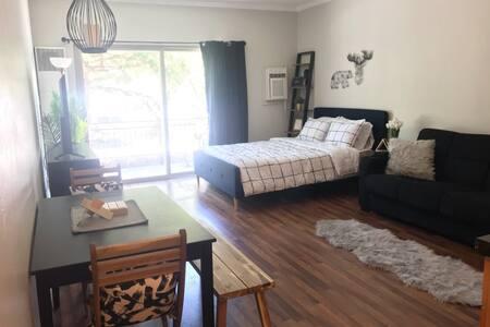 Cozy Centrally Located Park City Condo Getaway