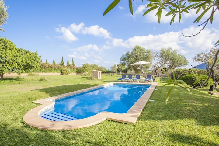 CAN ANDREU - Finca with private pool only 2.3 km away from the beach