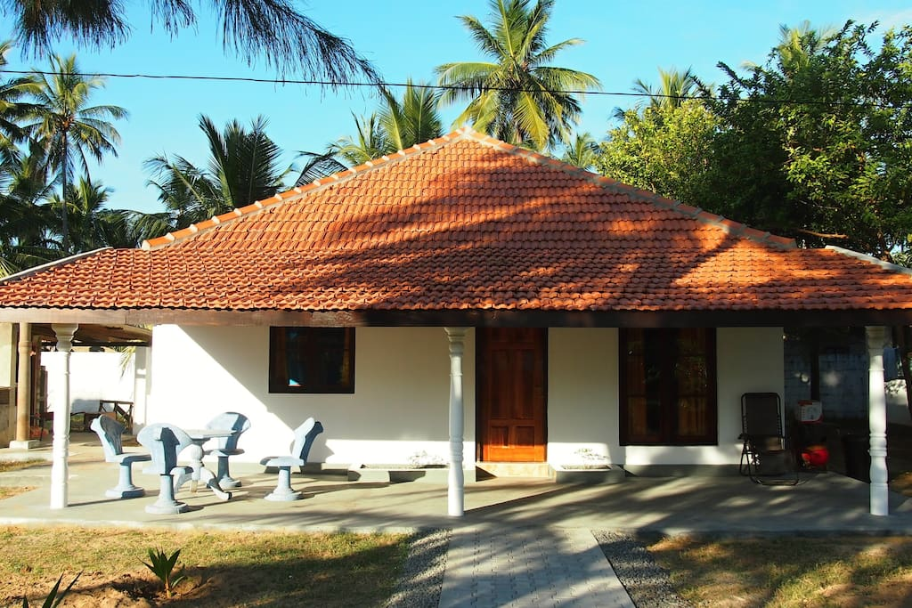 Sea View Villa 108 Palms Beach (140 m2, 8 pax, A/C), Uppuveli, Srí Lanka