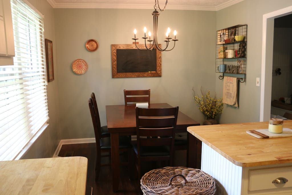 Dining area- Table for 6