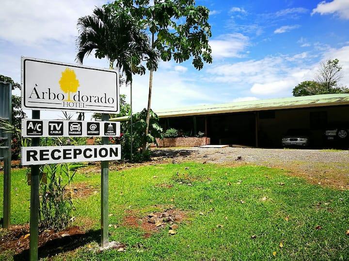Hotel Árbol Dorado