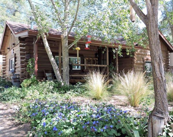 Prescott Hideaway Log Cabin