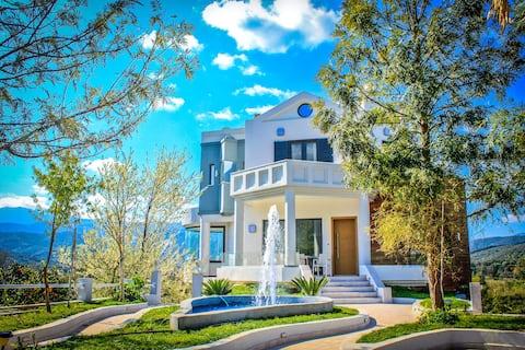 Four Seasons Villa, Nagyszerű elhelyezkedés, Kültéri mozi