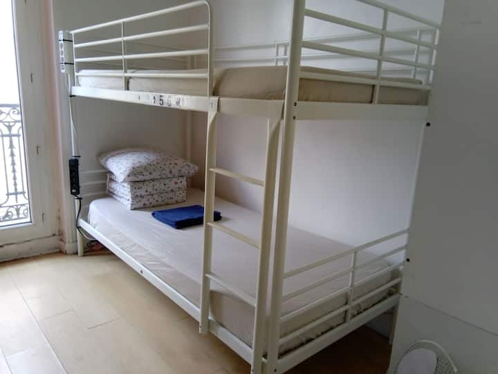 L&D 312- 1 bunk in room in paris 75019