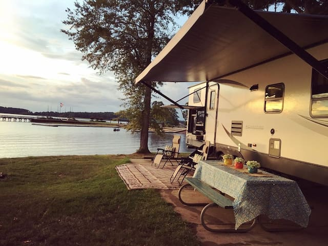 Enjoy luxury camping at any location!