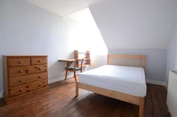 Spacious Double Room in South East London