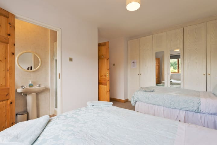 9 Min Dub Airport Ensuite Family Rm - Dublin airport  - House