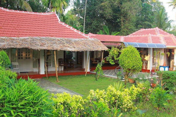Cozy double room in Viakom Kerala w/bkfst-2