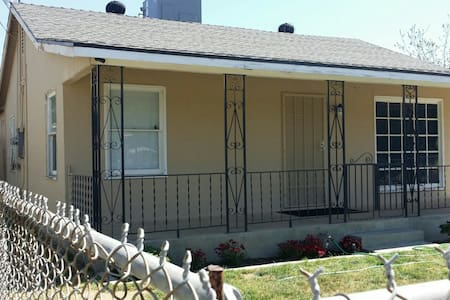 YOUR HOME IN FRESNO, CA - Fresno - Rumah