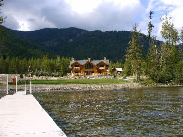 Bull Lake, MT.  Hunting Log Cabin.  Amish Built