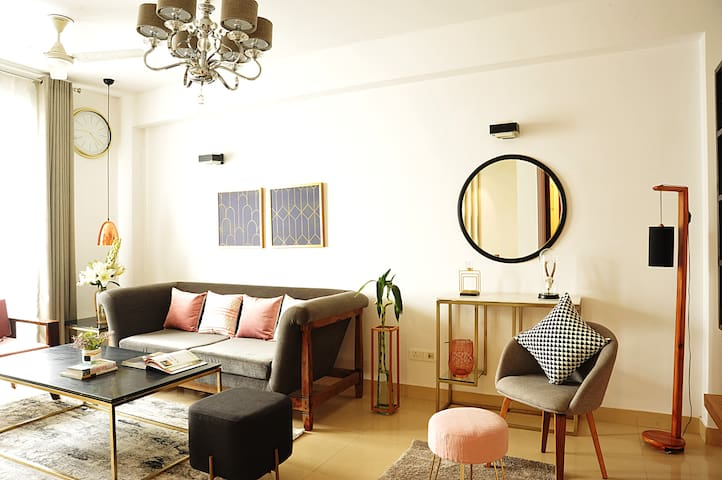 Chic & Luxurious  3Bedroom apartment in Green Park