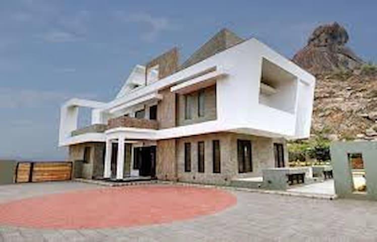 ChaCha Villa