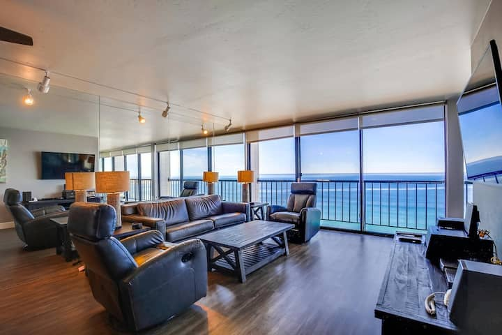 The Gem - New!  Remodeled OCEANFRONT home