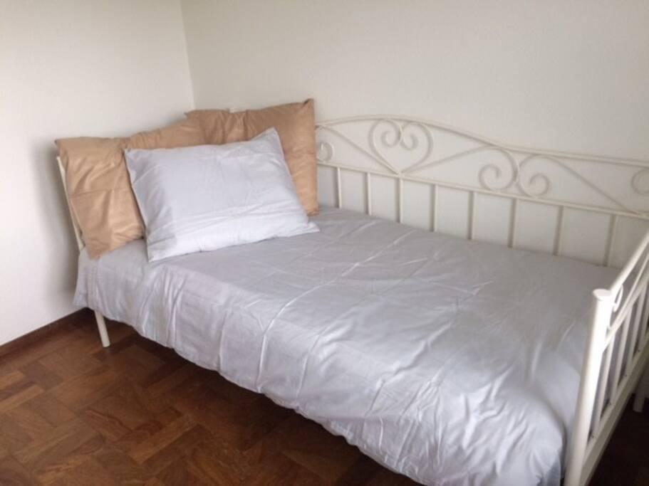 Slaapkamer met éénpersoonsbed