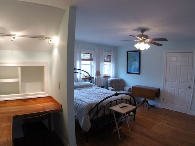 "1. ""Monthly Rental"" Furnished, Waterfront suite"