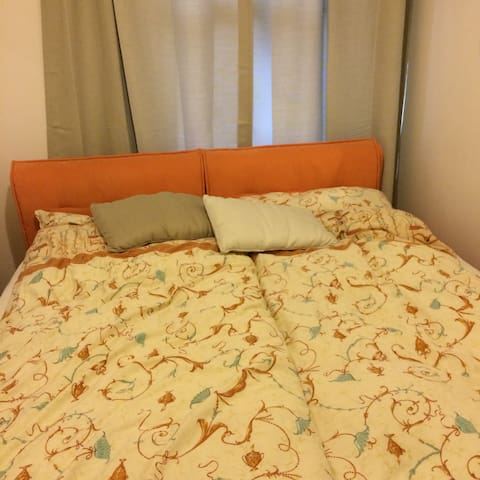 Cute double room, modern & close to seafront