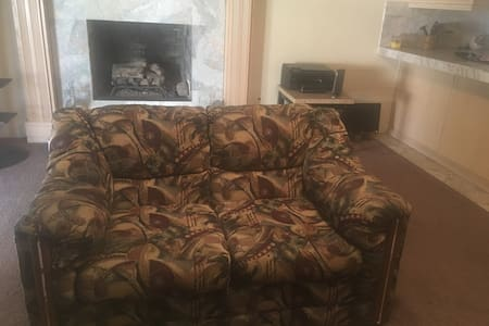 Nice Spacious Living Room Couch - Whittier
