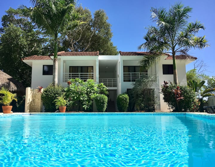 4 One Bedroom Suites at the Hotel Coral Blanco