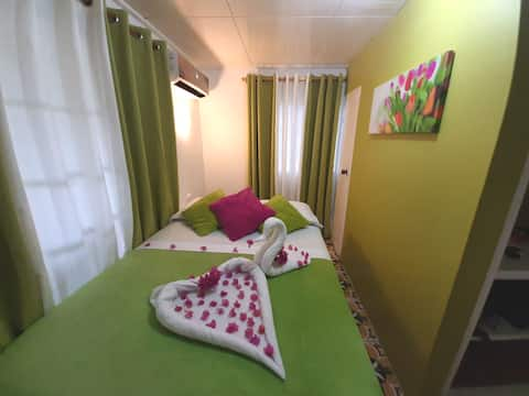 Quarto ColorfulGarden Lovely Cosy & Equipped 1