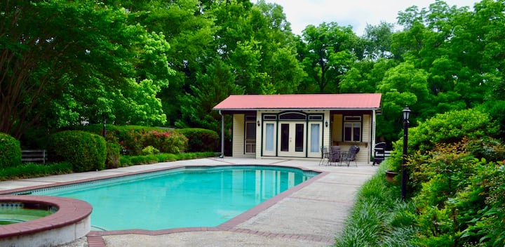 Downtown Franklin Pool House