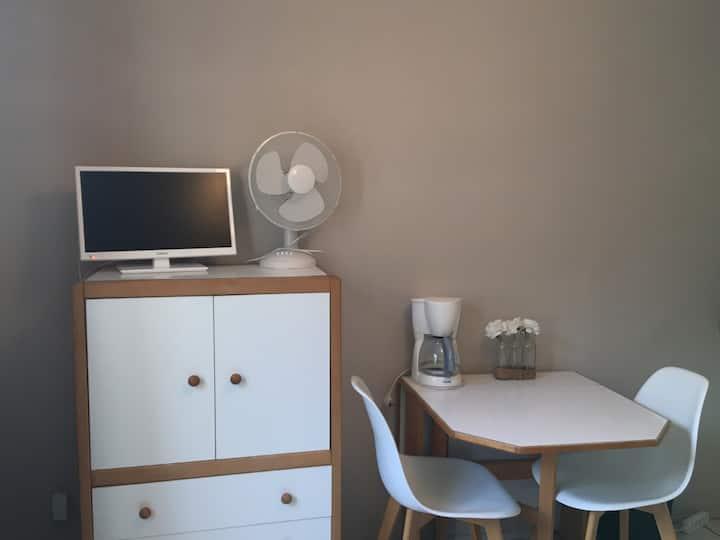 Studio curiste proche thermes Lamalou les Bains