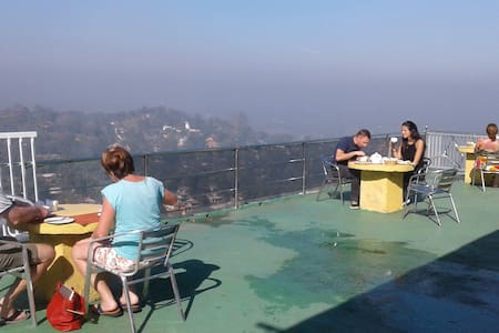 Pure Nature Hotel, 3km From City on a mountain - 康堤 - 精品酒店