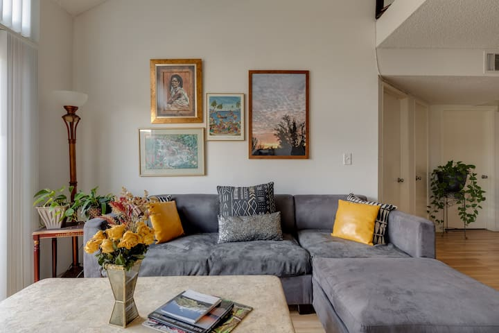 Excellent location nestled in Woodland Hills