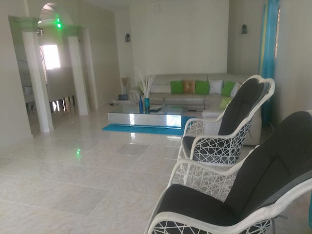3 bedrooms home - Higüey - House